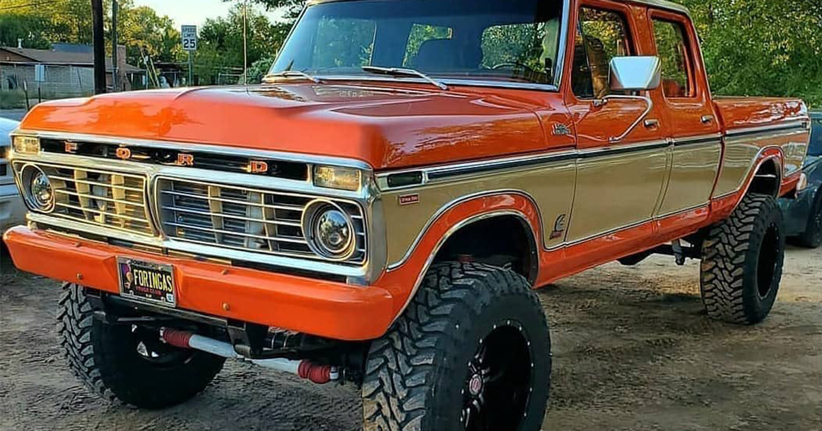 1977 Ford F250 4x4 Crew Cab Orange & Cream Pearl.jpg