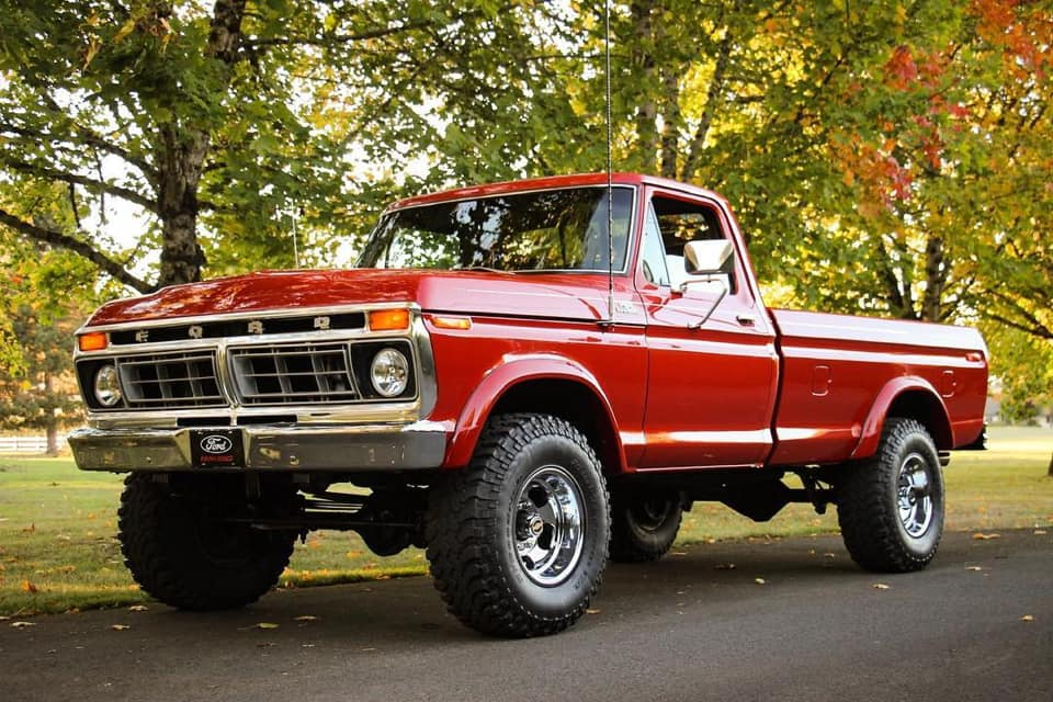 1977 Ford F250 With 429 5 Speed 7.jpg