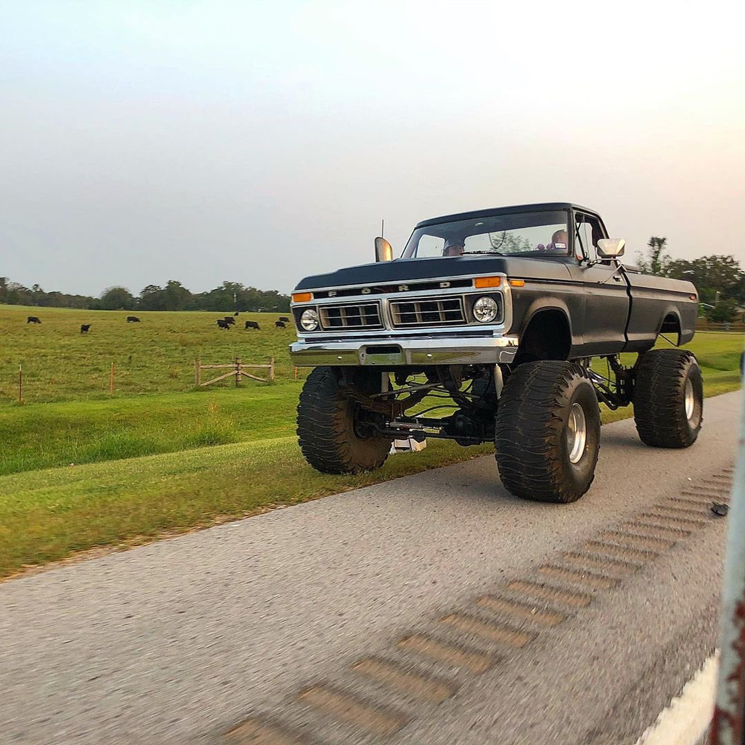 """1977 Ford F350 Cummins Swapped 16"""" Lift And 44"""" Tires 4.jpg"""