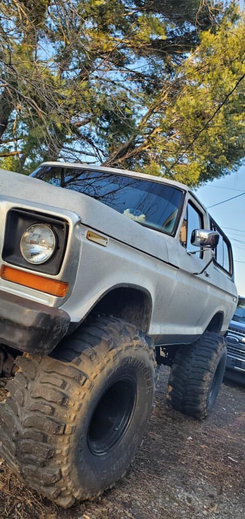 1978 Ford Bronco 400 Big Block Super Swampers 4.jpg