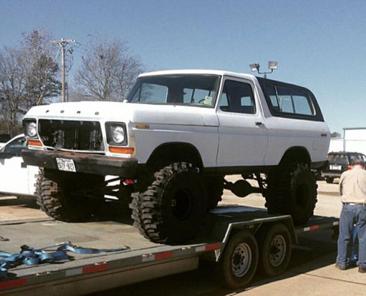 1978 Ford Bronco 400 Big Block Super Swampers 8.jpg