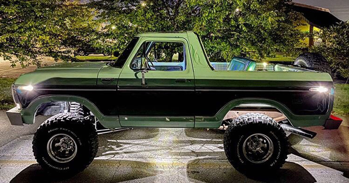1978 Ford Bronco With a 351 Original Paint.jpg