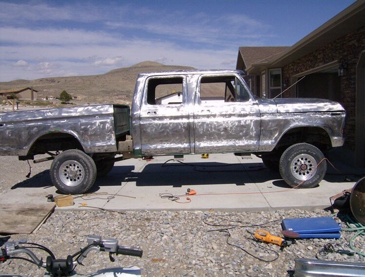 1978 Ford F-250 Crew Cab White And Gold Pearl 4.jpg