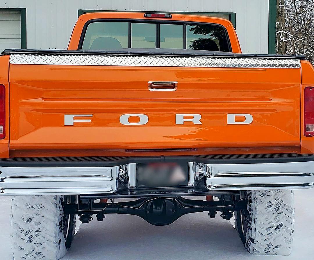 1978 Ford F150 4x4 Pumpkin Truck 3.jpg
