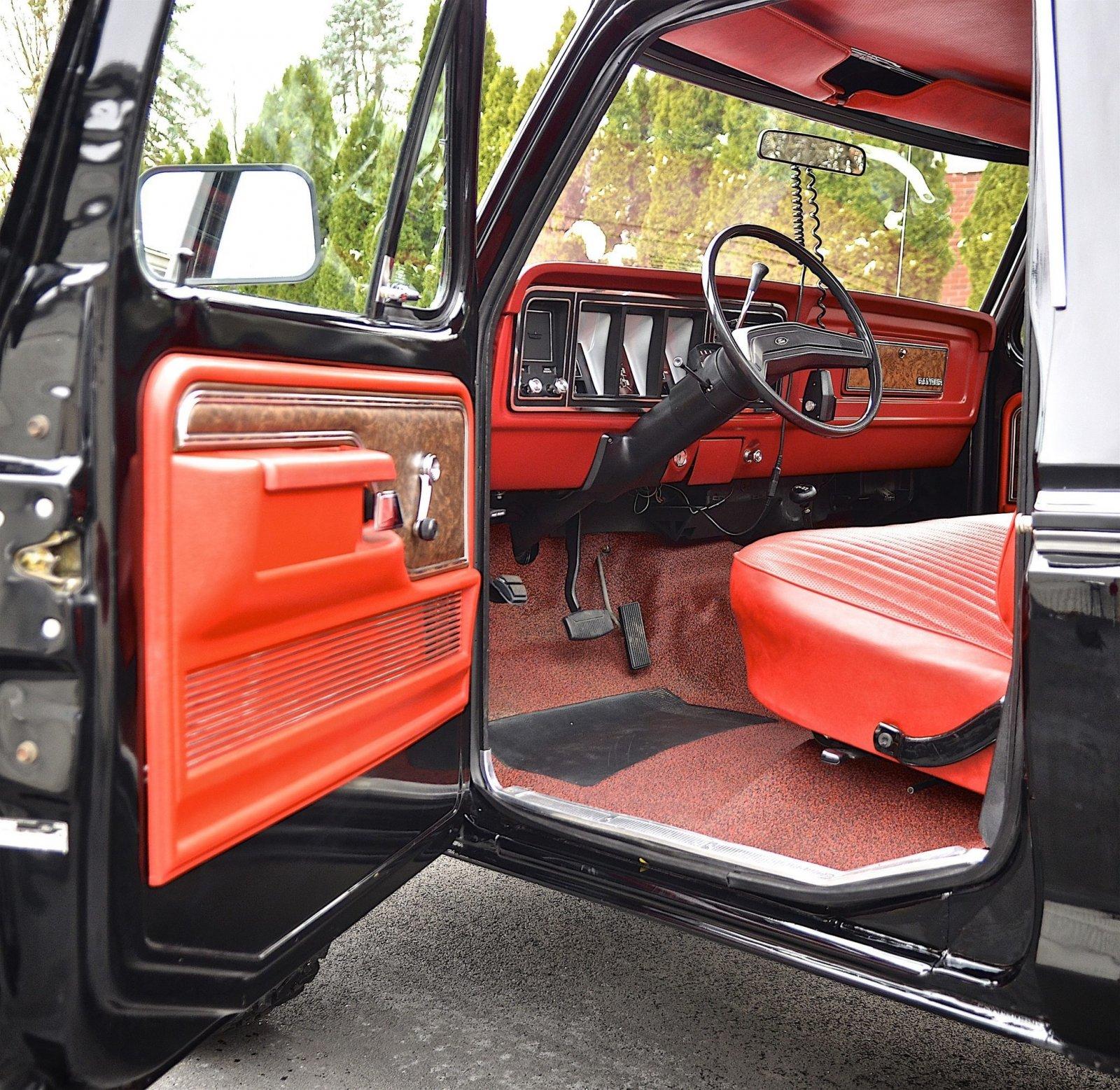 1978 Ford F150 Ranger 4x4 1k Mile 6.jpg