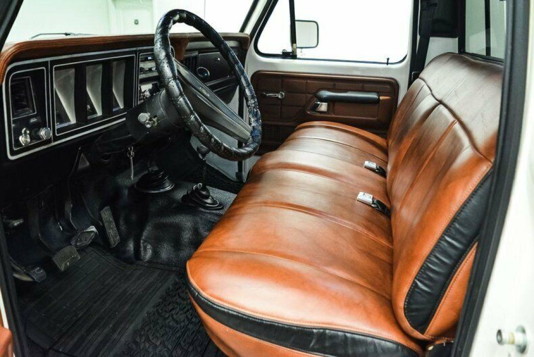 1978-ford-f250-767-miles-white-pickup-truck-400ci-v8-4-speed-manual-13 - Copy.jpg
