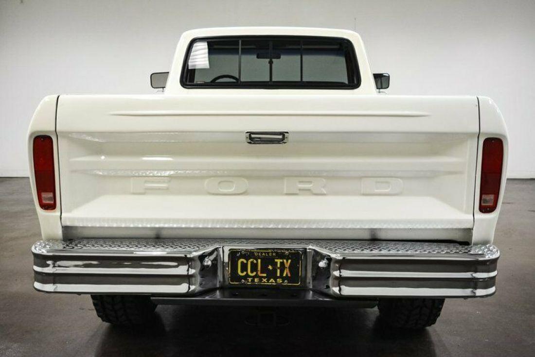 1978-ford-f250-767-miles-white-pickup-truck-400ci-v8-4-speed-manual-6.jpg
