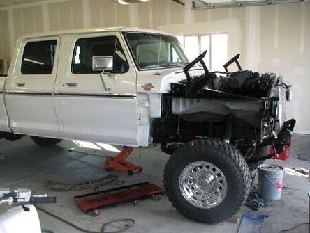1978 Ford F250 Crew Cab White & Gold Pearl 6.jpg