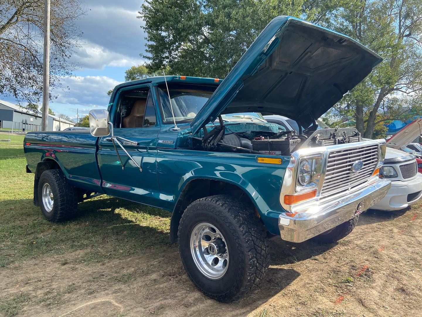 1978 Ford F250 Engine From F800 Cayman Green Pearl 2.jpg