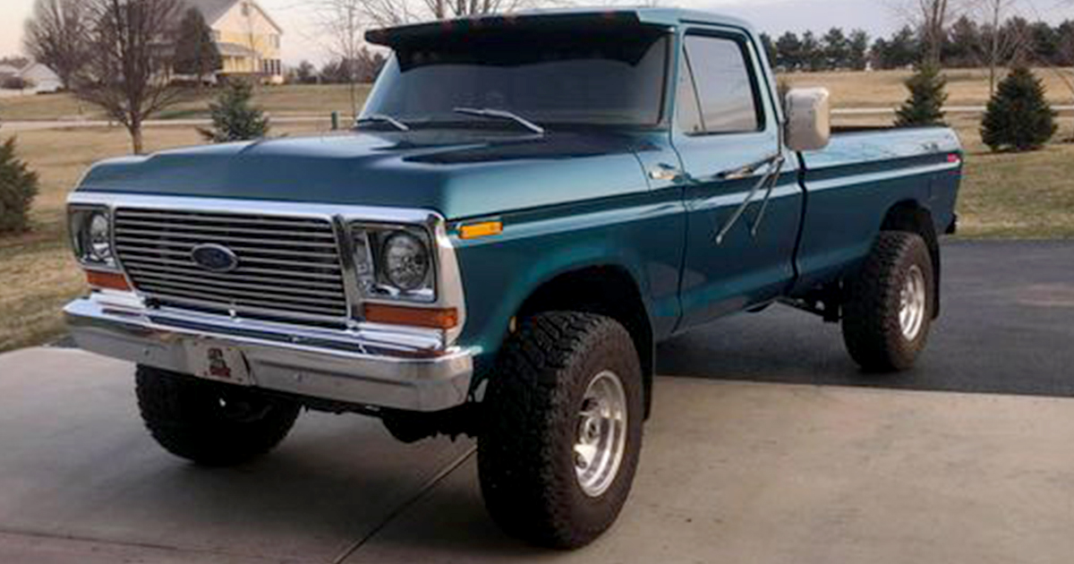 1978 Ford F250 Engine From F800 Cayman Green Pearl.jpg