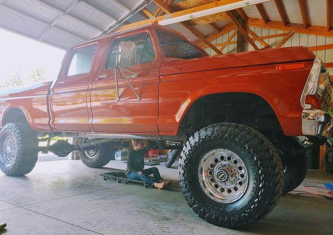 1978 Ford F250 XLT Crew Cab 4x4 5.jpg