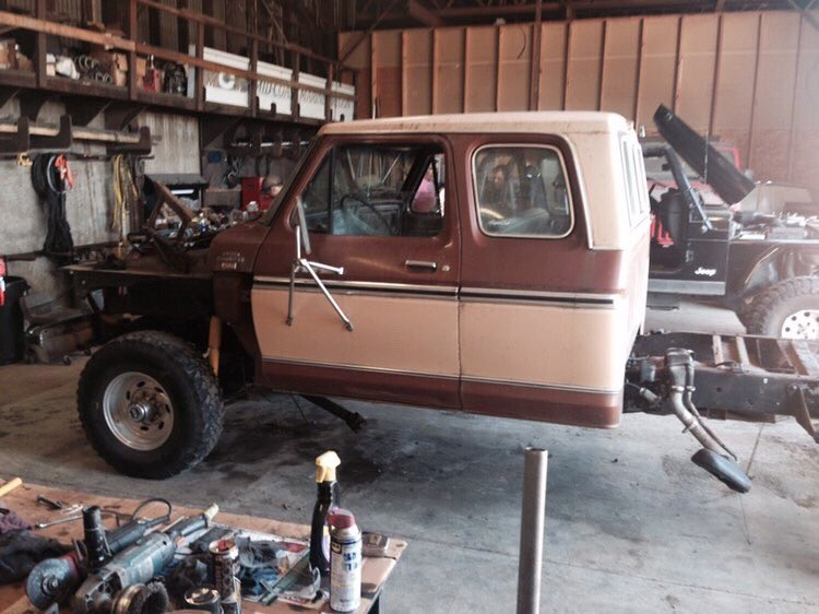 1978 Ford F350 Supercab XLT Camper Special 4x4 4.png