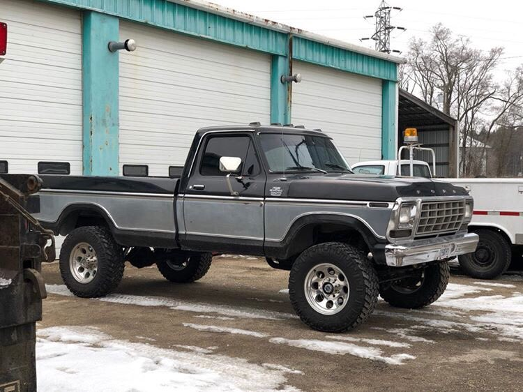 1979 F-250 With a 400M 4-inch Lift 4x4 2.jpg