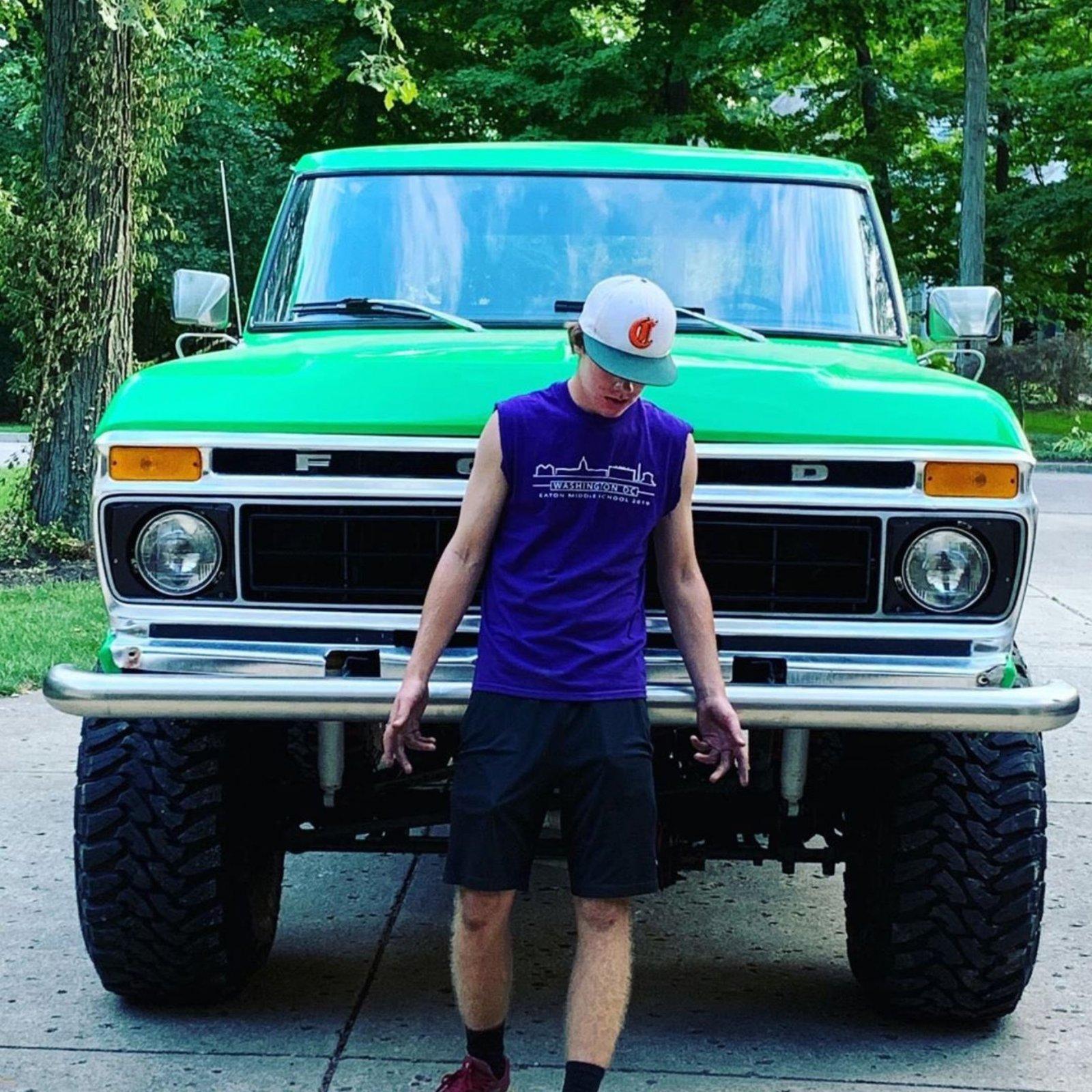 1979 Ford Bronco Krypton Green 3.JPG