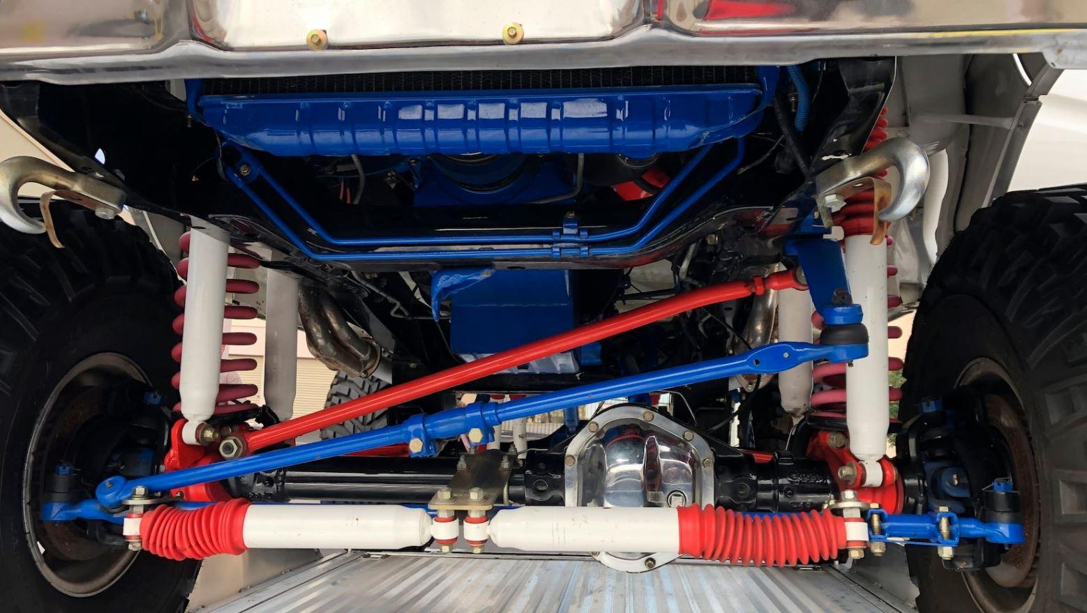 1979 Ford Bronco Packs Plenty Of Power 9.JPG