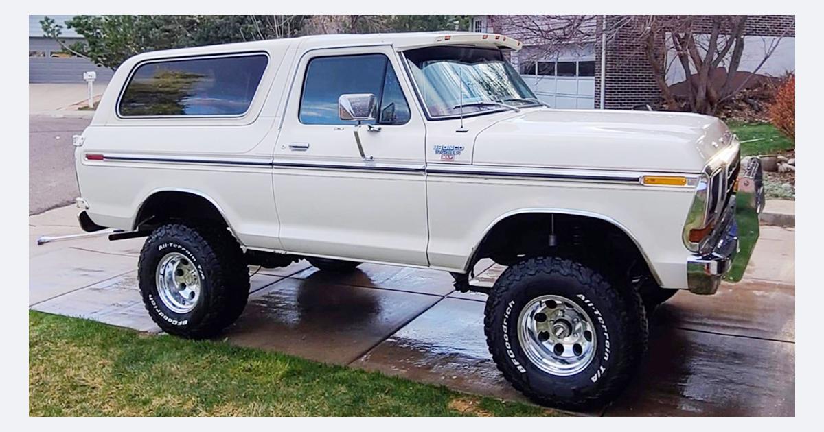 1979 Ford Bronco Ranger XLT Trailer Special.jpg