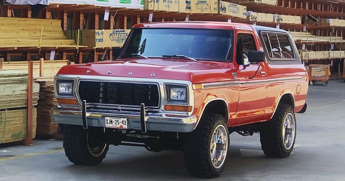 1979 FORD BRONCO WITH A 351W.jpg