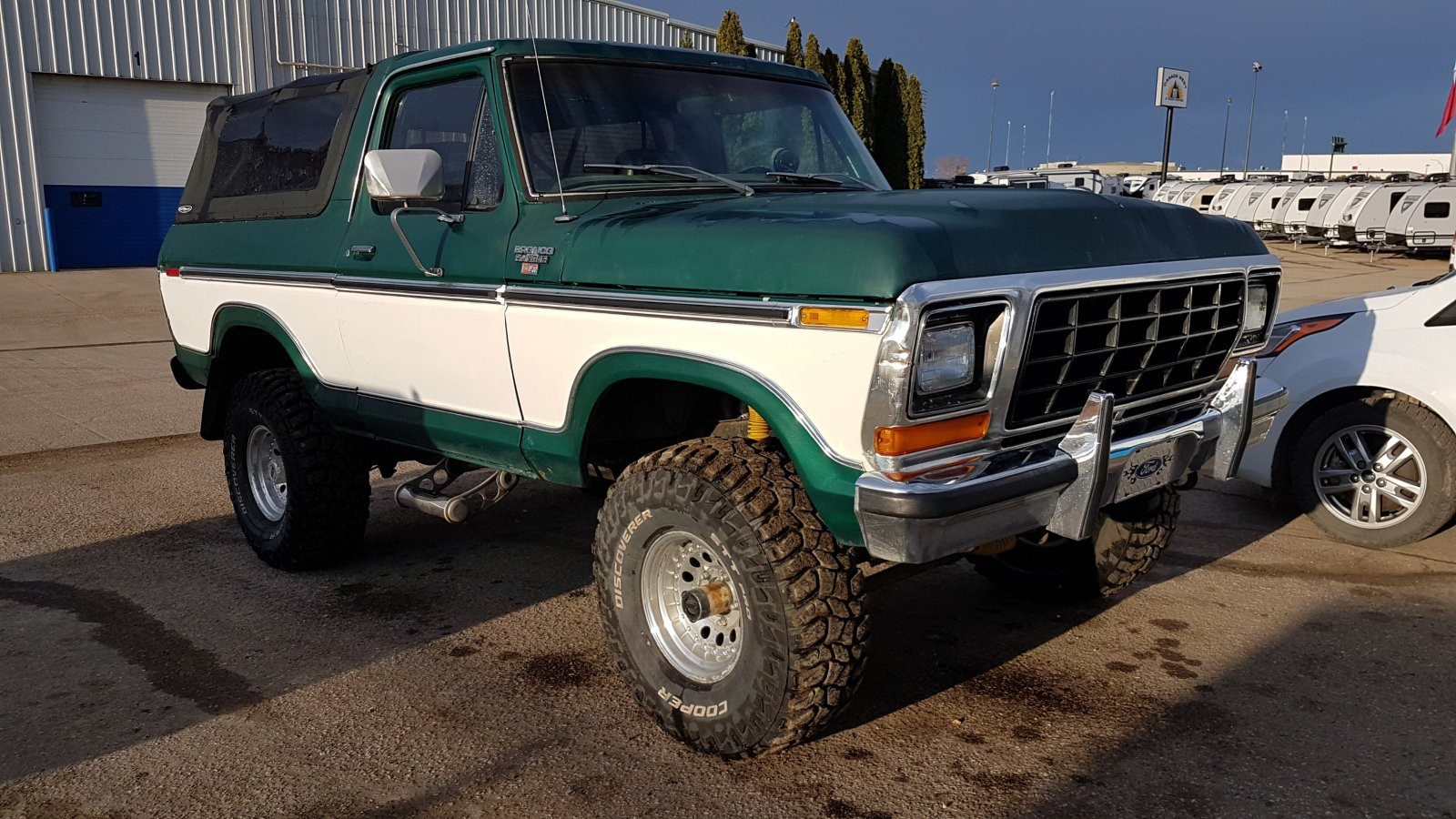 1979 Ford Bronco With a 400 Engine 11.jpg