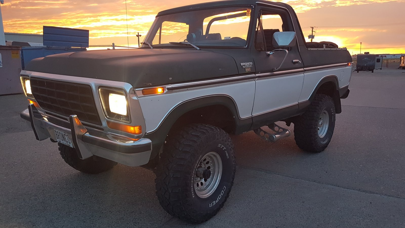 1979 Ford Bronco With a 400 Engine 13.jpg
