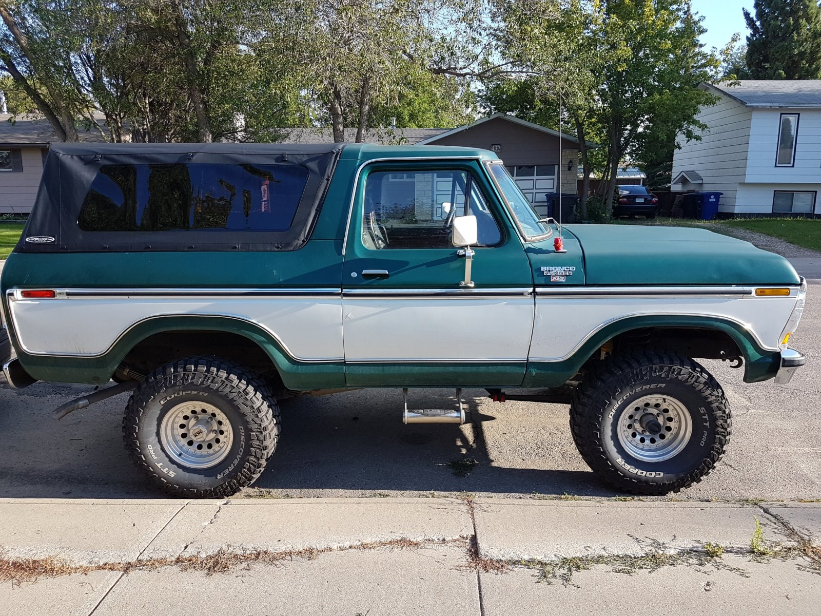 1979 Ford Bronco With a 400 Engine 2.jpg
