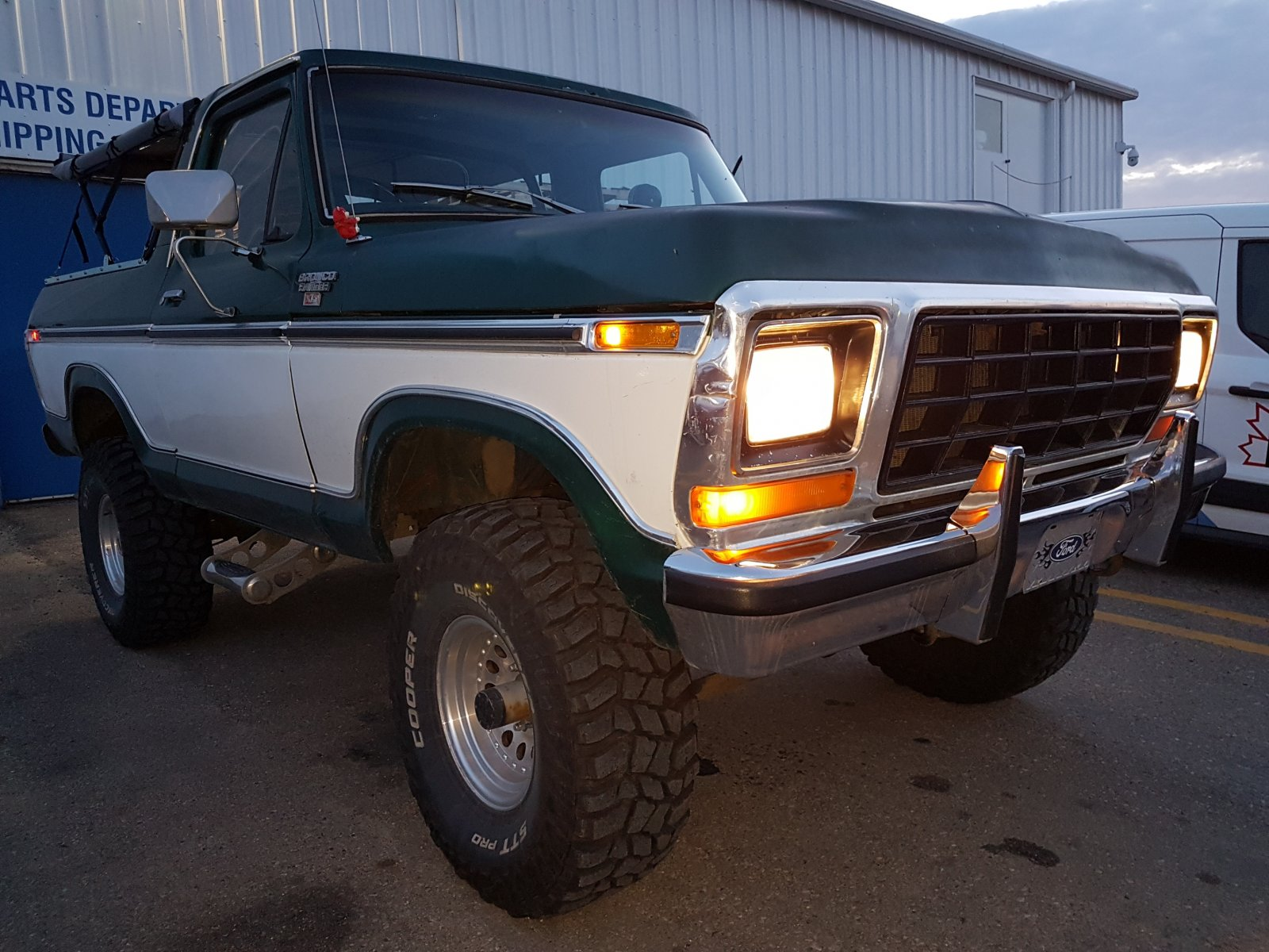 1979 Ford Bronco With a 400 Engine 9.jpg