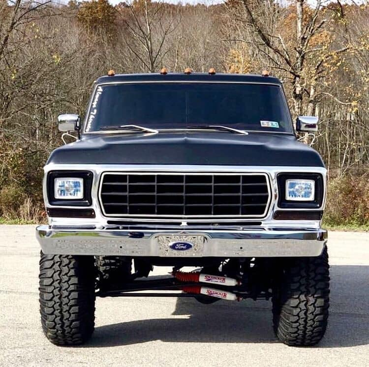 1979 Ford F-150 With a 7-inch Lift And a 460 2.jpg