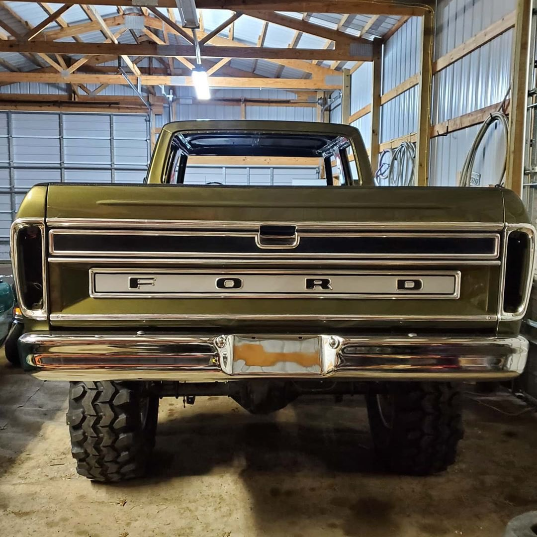 1979 Ford F-250 Crew Cab 521 Stroker Olive Gold Pearl 12.jpg