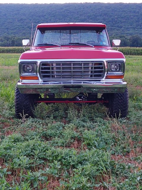 1979 Ford F-250 With a 7.3L Powerstroke 4x4 4.jpg