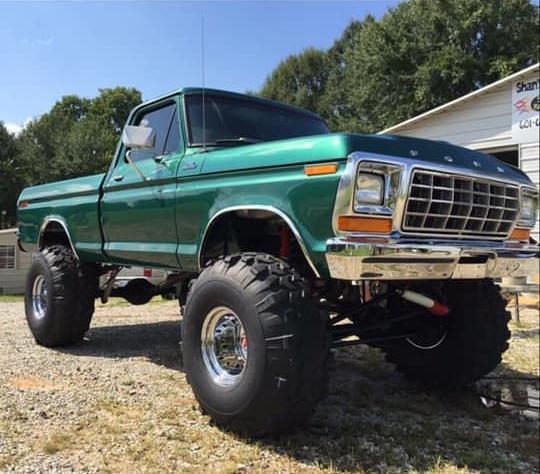 1979 Ford F150 4x4 Green 4.jpg