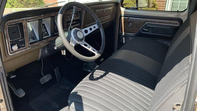 1979-Ford-F150-Pickup-03.jpg