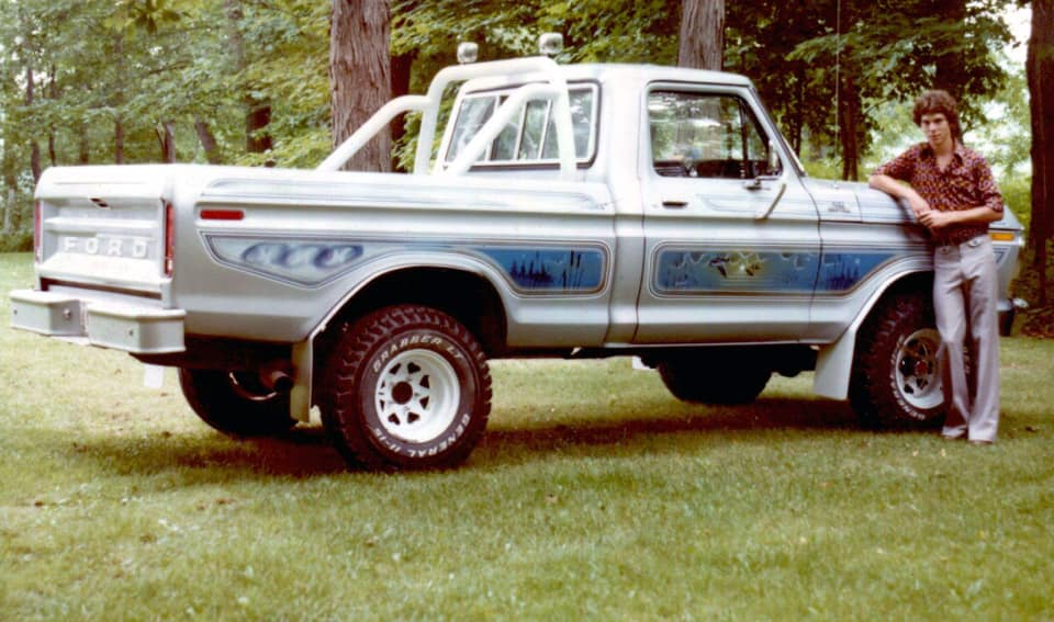 1979 Ford F150 With a 460 Dupont Jet Black Paint 3.jpg