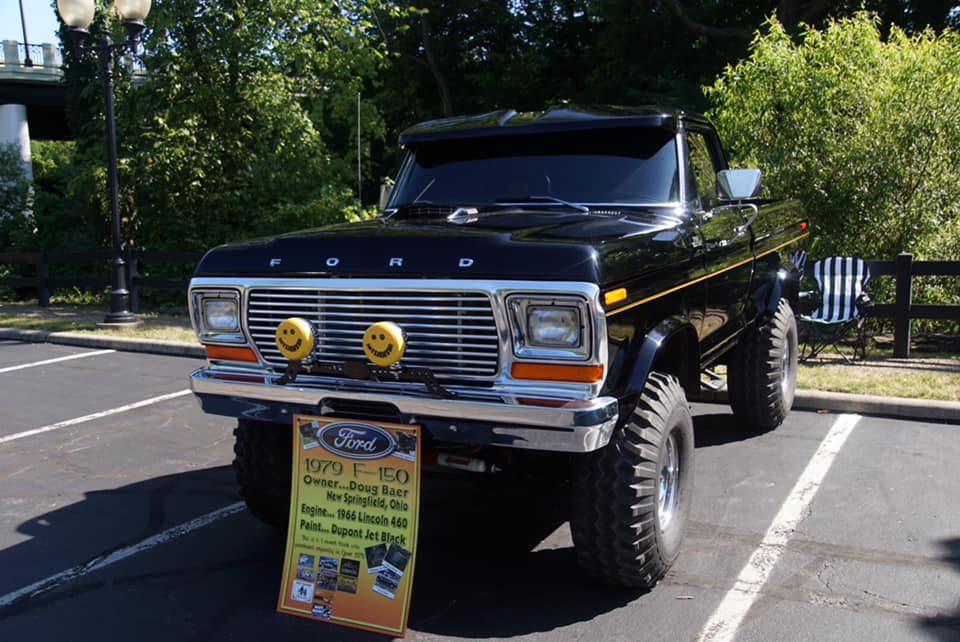 1979 Ford F150 With a 460 Dupont Jet Black Paint 4.jpg