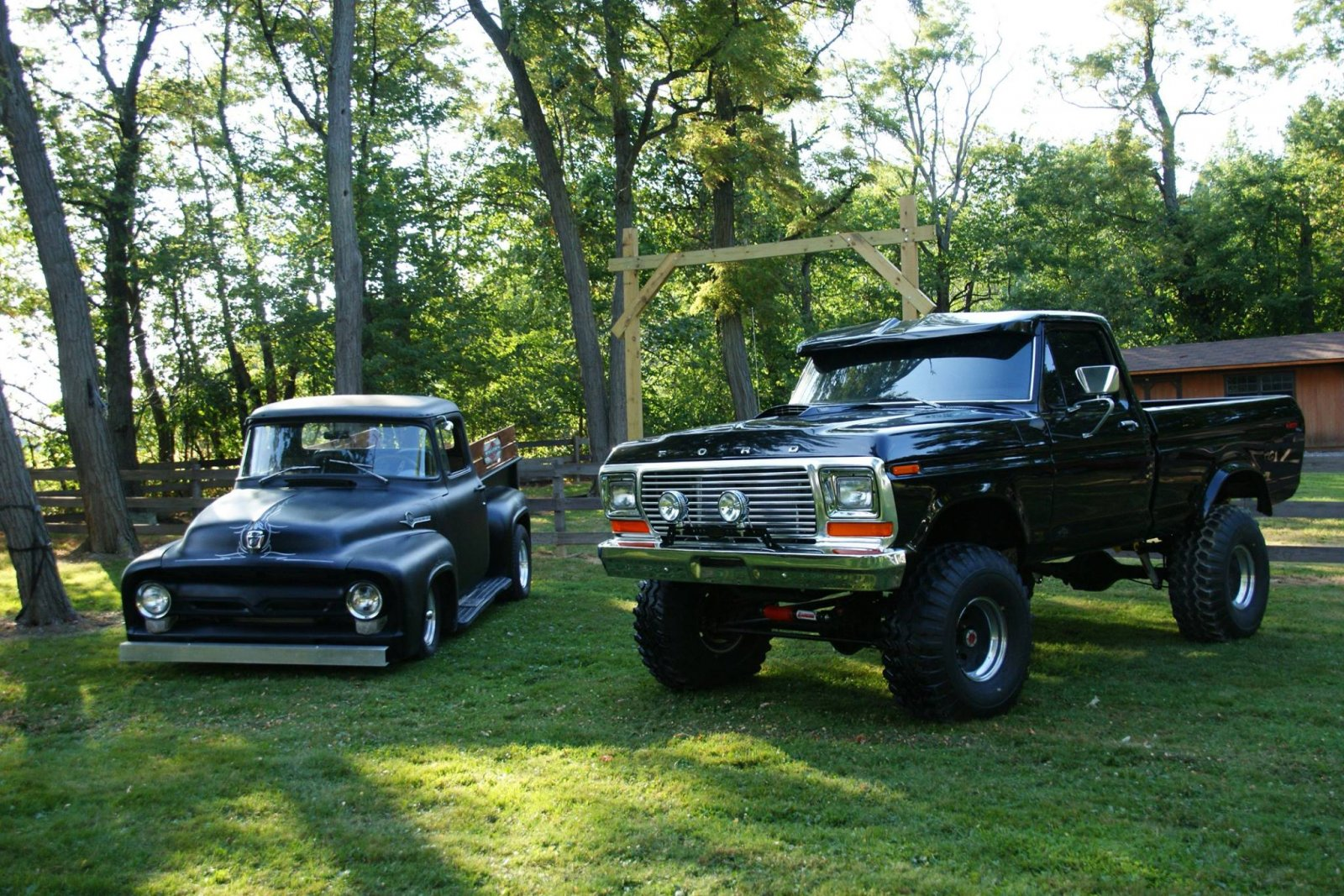 1979 Ford F150 With a 460 Dupont Jet Black Paint 5.jpg