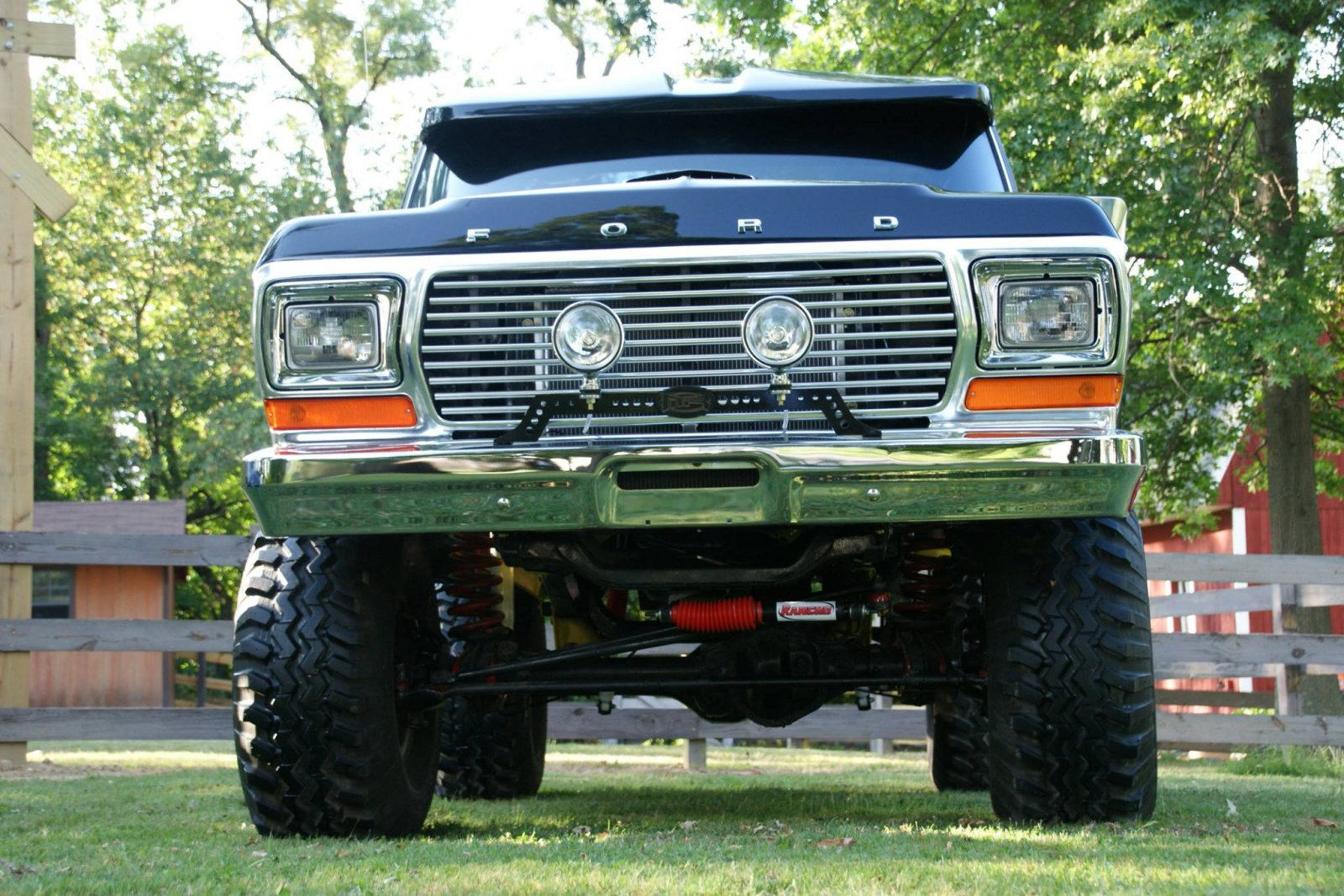 1979 Ford F150 With a 460 Dupont Jet Black Paint 7.jpg