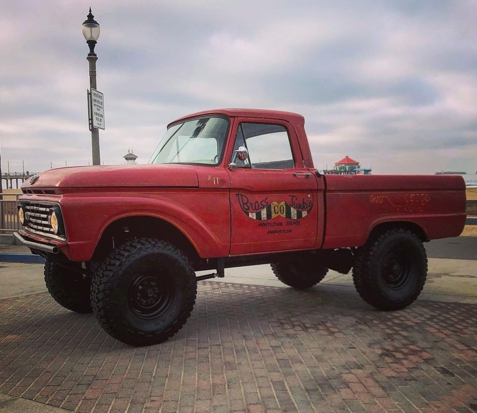 1979 Ford F250 2WD Long Bed Chassis 2.jpg