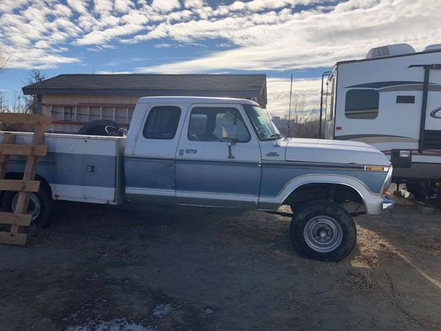 1979 Ford F250 Crew Cab Four-Wheel-Drive With a 460 2.jpg