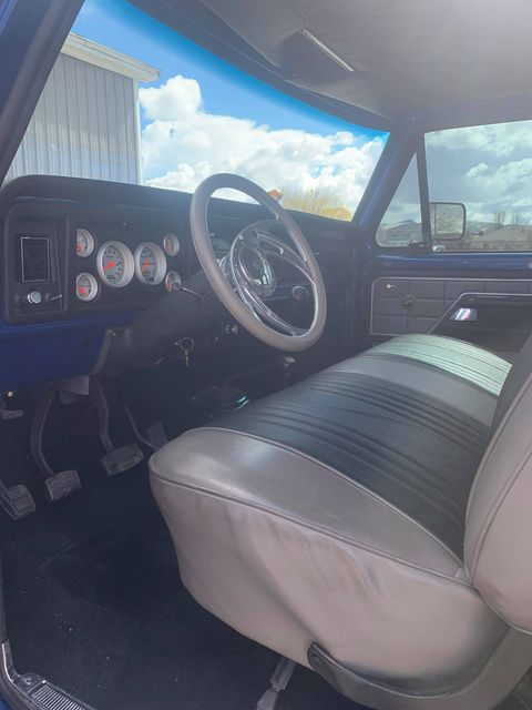 1979 Ford F250 Crew Cab Four-Wheel-Drive With a 460 9.jpg