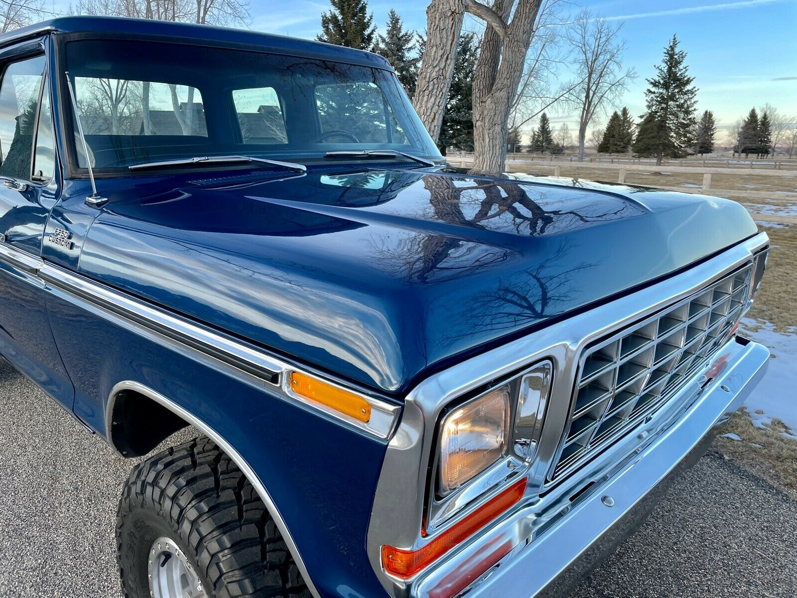 1979 Ford F250 Crewcab Factory 4x4 Completely Restored 12.jpg