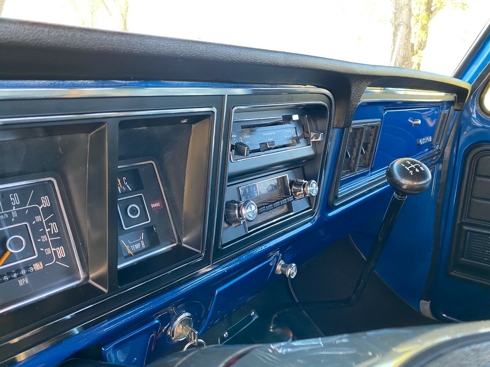 1979 Ford F250 Crewcab Factory 4x4 Completely Restored 16.jpg