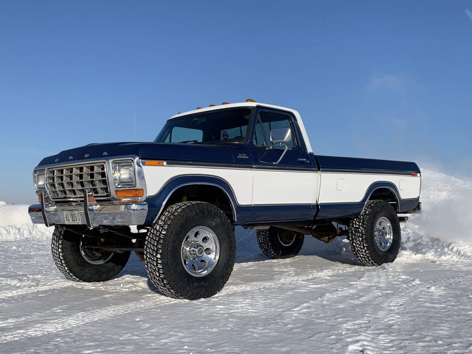 1979 Ford F250 With Two Tone Paint 3.jpeg