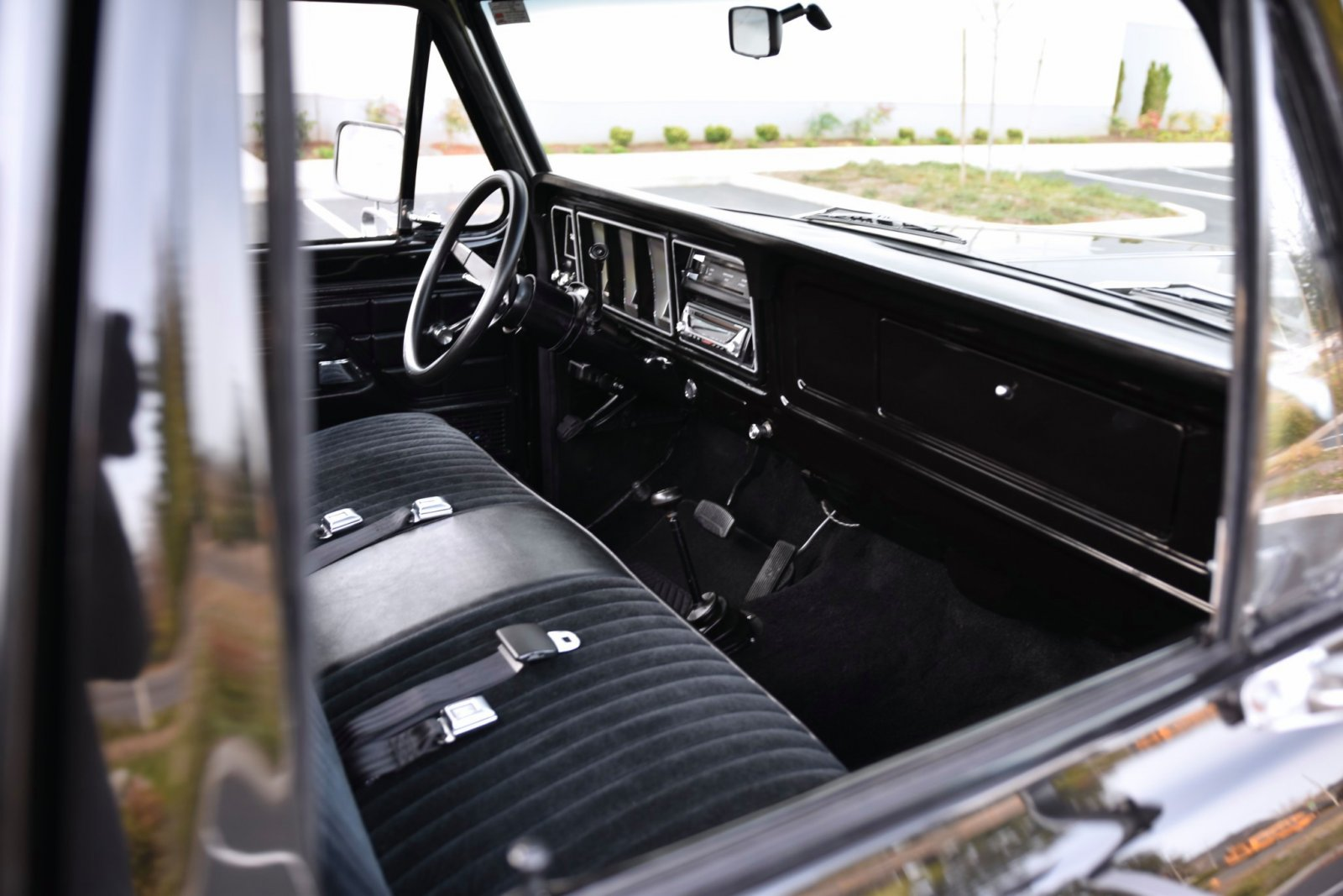 1979_ford_f150_custom_4x4_1573796620ff9f98764da92.jpeg