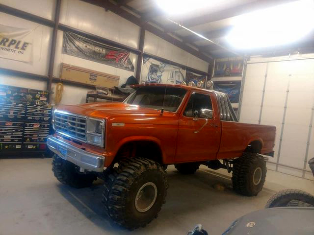 1982 Ford F-150 With a 460 On Boggers 2.jpg