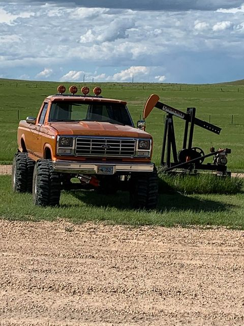1982 Ford F150 460 Under The Hood On Boggers 5.jpg