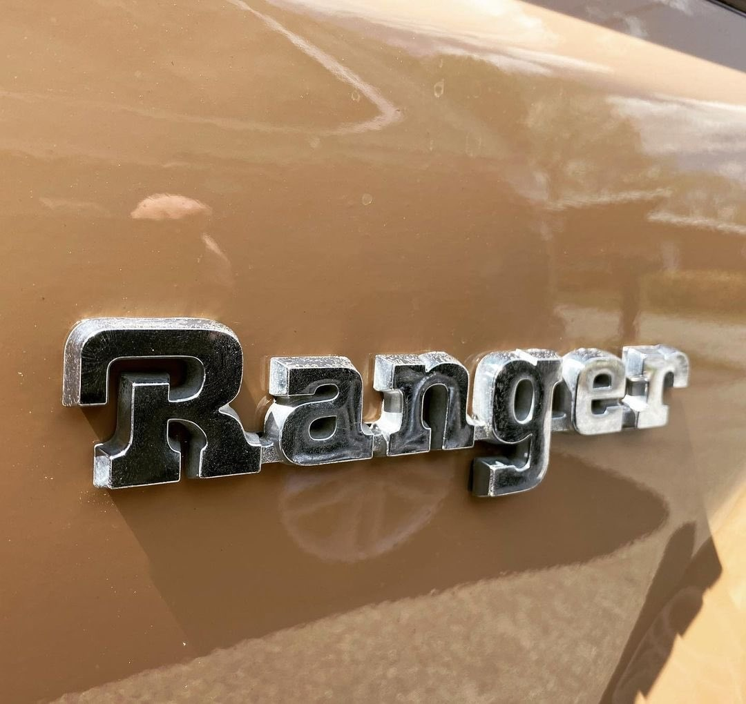 1984 Ford Ranger V6 2.8L 10.jpg