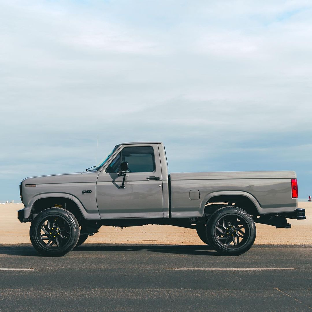 1985 Ford F-150 Short Bed 2WD 4.9L 4.jpg