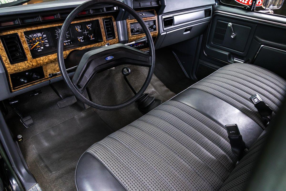1985-ford-f250-xl-4x4-pickup (1).jpg