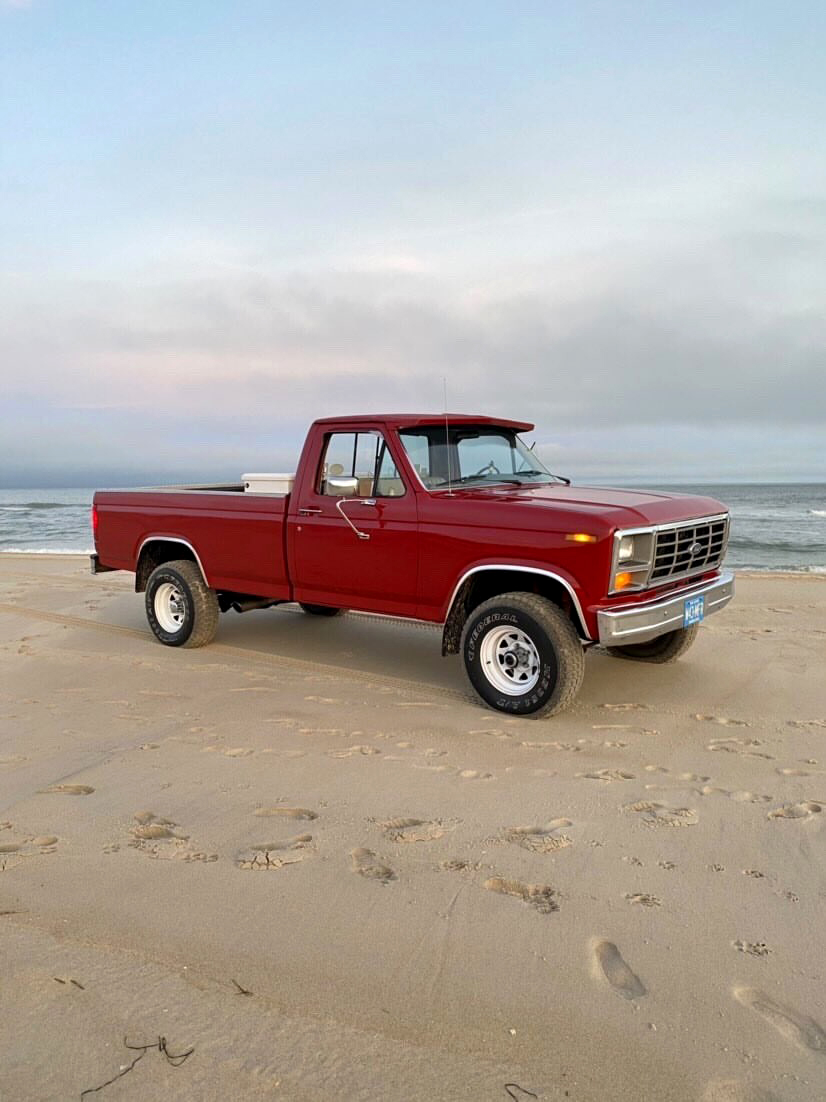1986 Ford F150 With a 302 4-speed 4.jpg