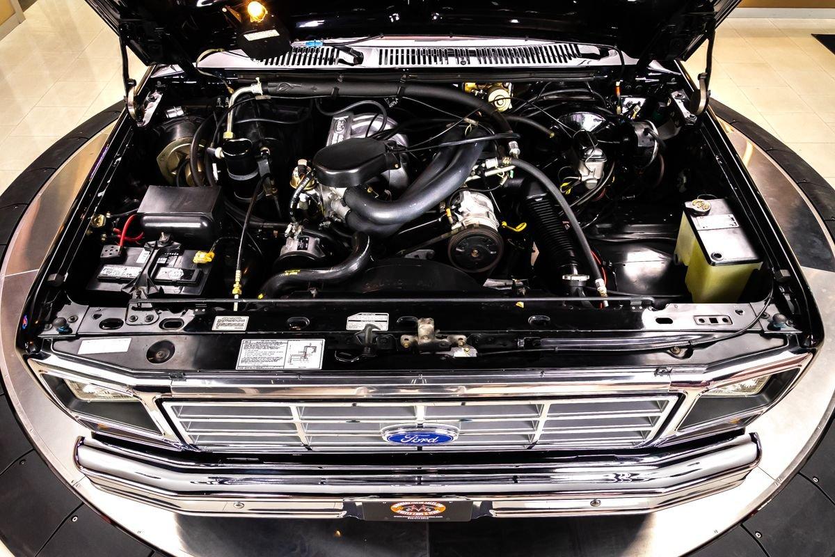 1986-ford-f150-xlt-lariat-4x4-pickup (2).jpg