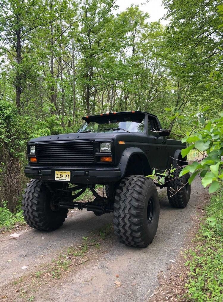 "1986 Frankenstein F150 With a 12"" Lift and 44"" Tires 6.jpg"