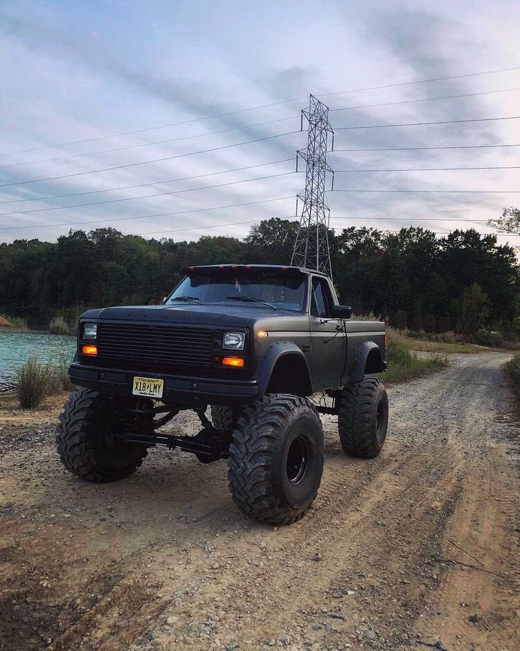 "1986 Frankenstein F150 With a 12"" Lift and 44"" Tires 8.jpg"